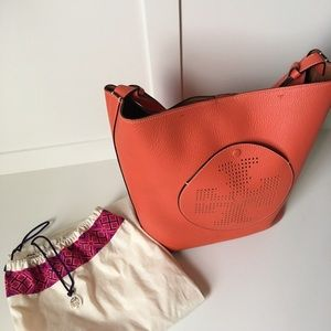 AUTHENTIC TORY BURCH TOTE !